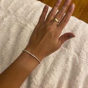 Jewelry - Pulltie tennis bracelet